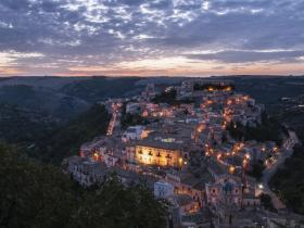 B&B Terrazza dei Sogni, Ragusa Ibla, Ragusa - picture of ragusa ibla at sunset from the church of santa lucia